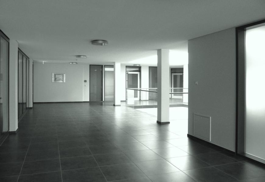 Trockenbau Renovierung, Büronerovierung, RainerSturm_pixelio.de